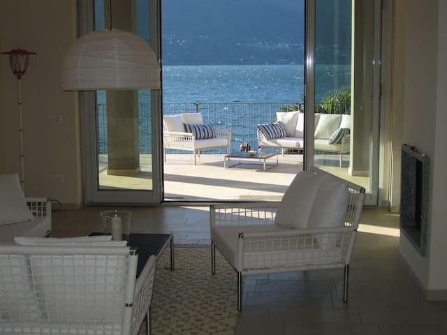 Dream Apartment BEACH directly on the Lake - Porto Valtravaglia - 公寓