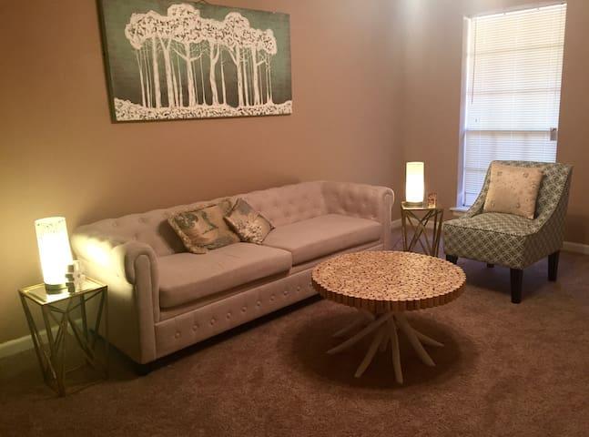 WoW!! Beauty & A Bargain Bungalow Near LSU - 巴吞魯日(Baton Rouge) - 公寓