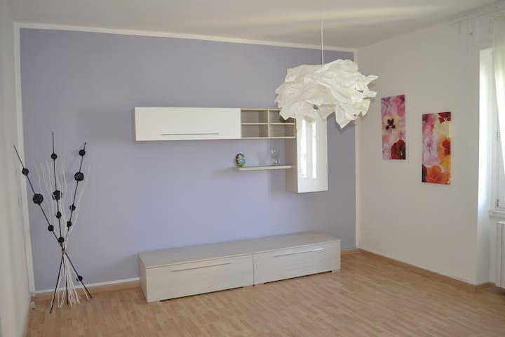 Appartamento in centro tra MI-TO-GE - Novi Ligure - Appartement