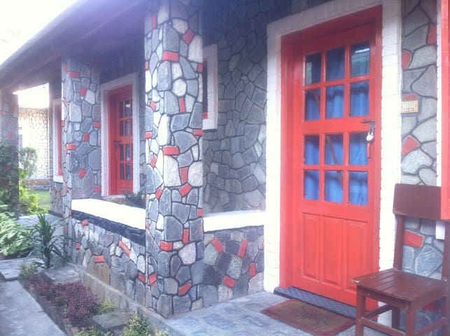 HOTEL 7 CONTINENTS(COTTAGE 2) - Pokhara - Bed & Breakfast