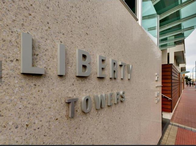 Beachside luxury at Liberty Towers - Glenelg - Apartemen