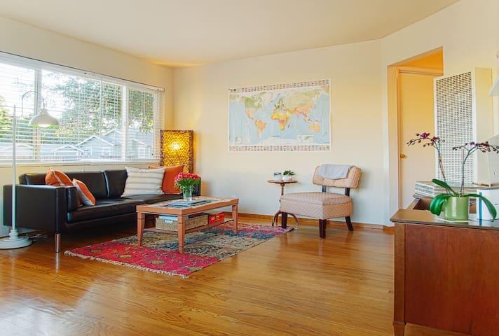 Clean, cozy bedroom near Caltrain - Рэдвуд Сити - Дом