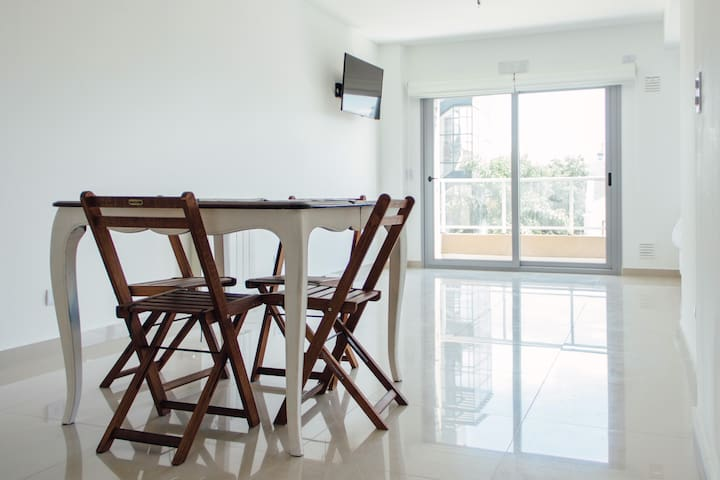 Confortable Apartment with balcony - Buenos Aires - Appartement en résidence