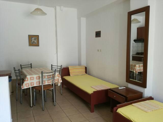 Small apartment near the beach! - Νέοι Πόροι - Leilighet