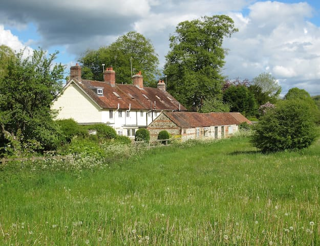 Rambler's Cottage, Heart of Dorset - Hilton - Huis