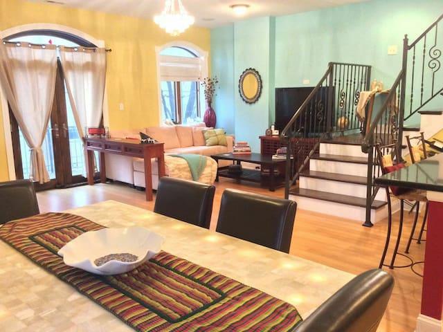 Bright, spacious sanctuary duplex - Morris
