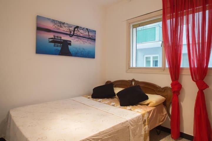 Private Room, Rustic Little Town, Costa Brava - La Bisbal d'Empordà - Apartamento