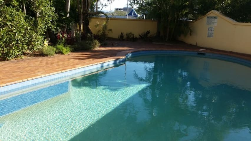 Gold Coast suit business traveller close to venues - Broadbeach - Appartement
