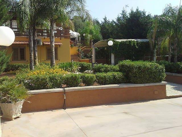 Fabulous villa 5 people with private parking - Sannicola - Villa