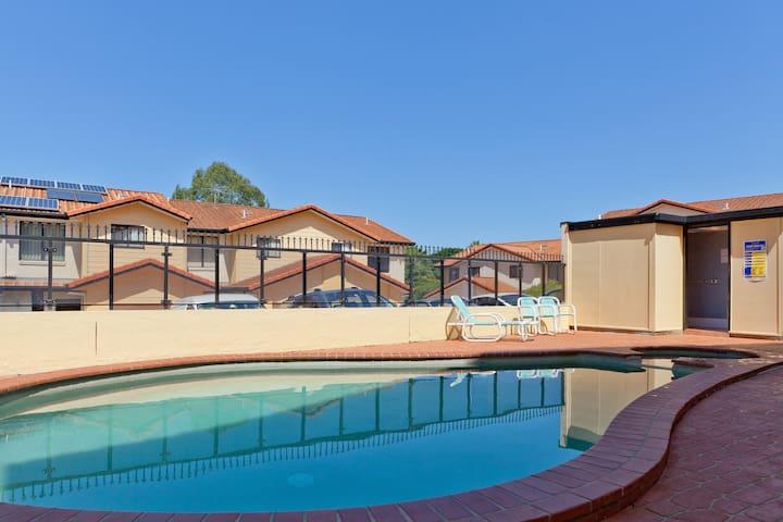 Inner city,wifi,pool,cozy house - Mount Gravatt East - Casa