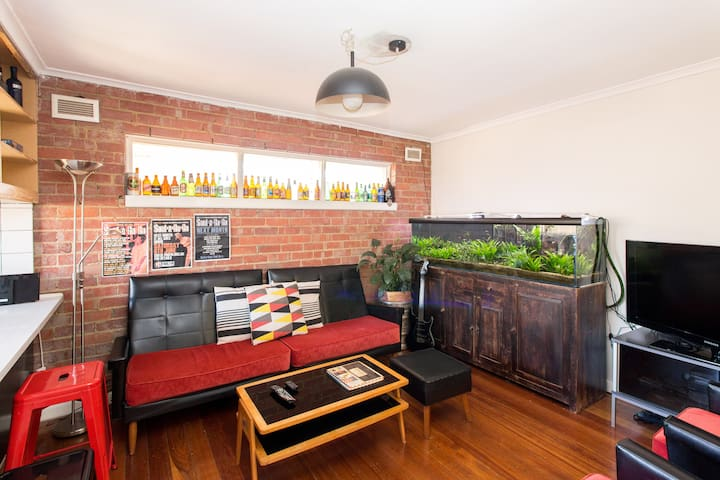 Chilled Apartment w/great Transport - West Footscray - Apartamento