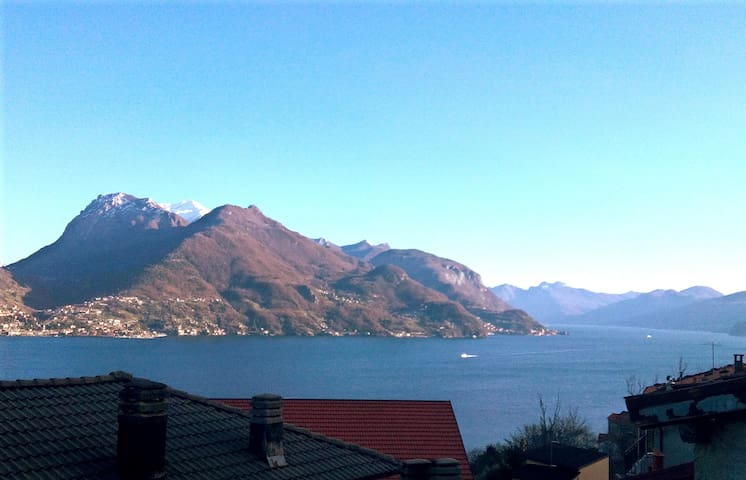 home Mary apartment with lake view - Santa Maria Rezzonico - Appartement