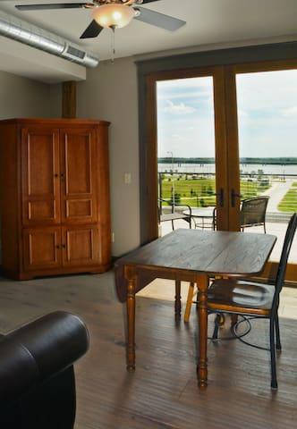 Nice!! - Studio loft w/ river view - Alton - Loft