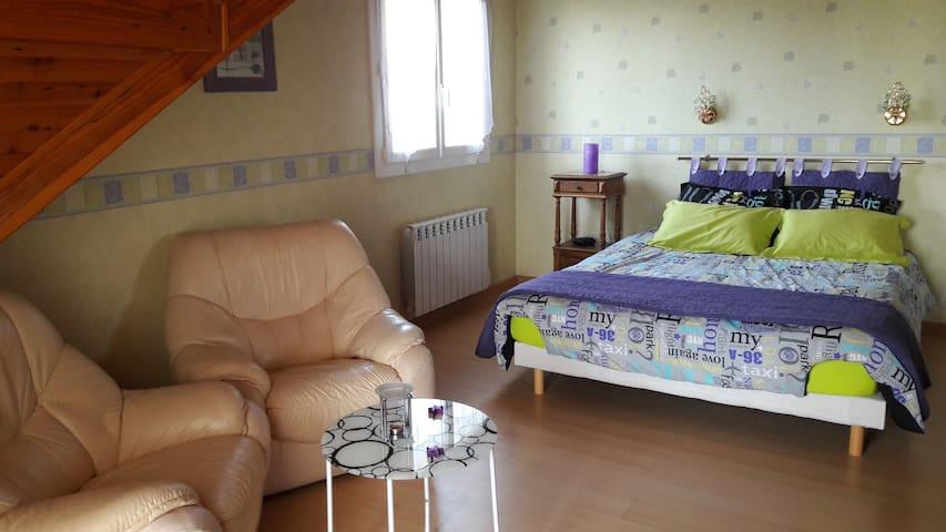 Apartement complet  1 chambre - Buros