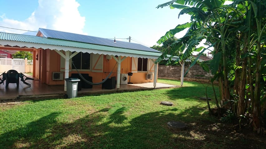 House - 800 m from the beach - Port-Louis - Hus
