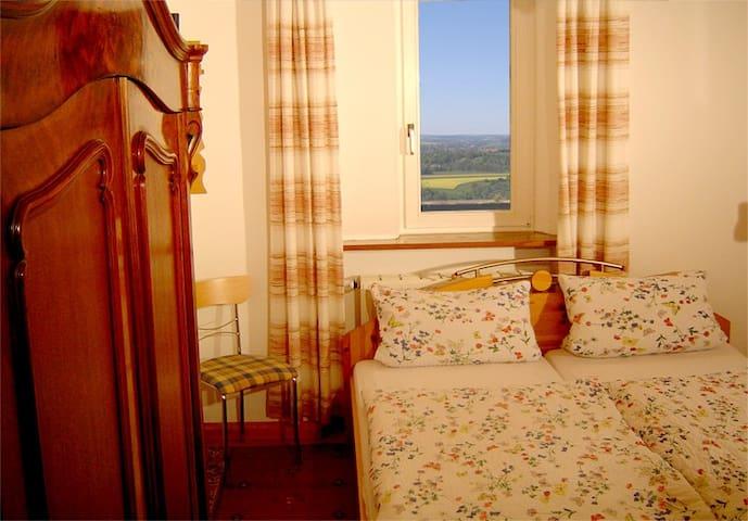 Burgdoppelzimmer tolle Aussicht - Bühlertann - Slott