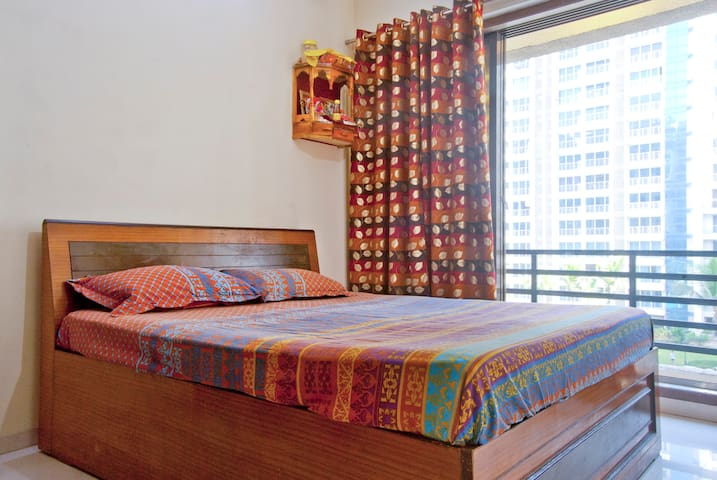 Spacious room with big balcony - Navi Mumbai - Daire