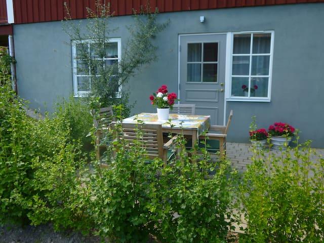 Modernt boende med privat uteplats - Leksand NV