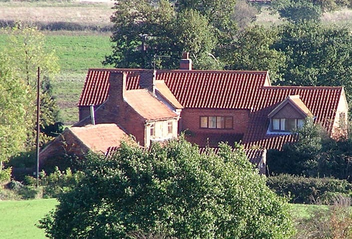 Farmhouse accommodation - South Scarle - Bed & Breakfast