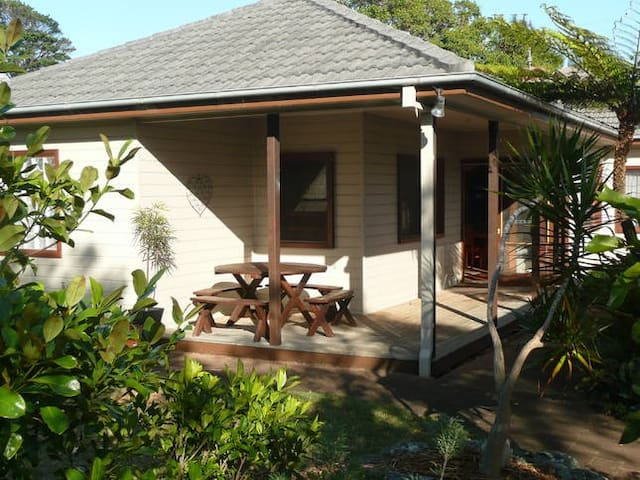 Pet friendly beach house  - Werri Beach - Casa