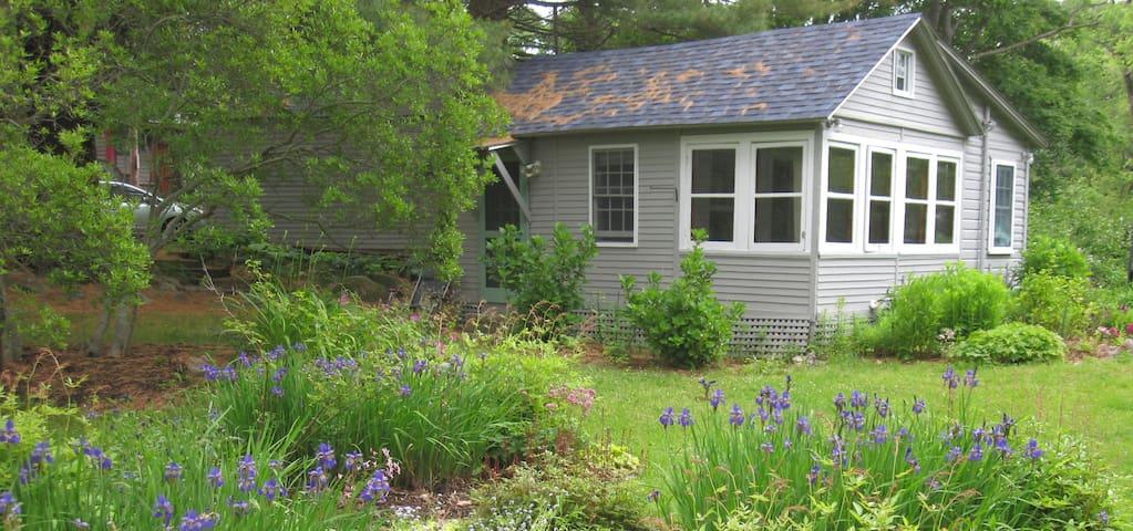 Jestina's Cottage - Next to Rocky Neck - Gloucester - Ξυλόσπιτο