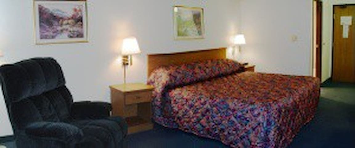 Wahoo Heritage Inn - Wahoo - Bed & Breakfast
