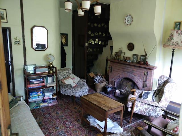 Quaint old cottage with log fire in Norfolk UK - Downham Market - Rumah