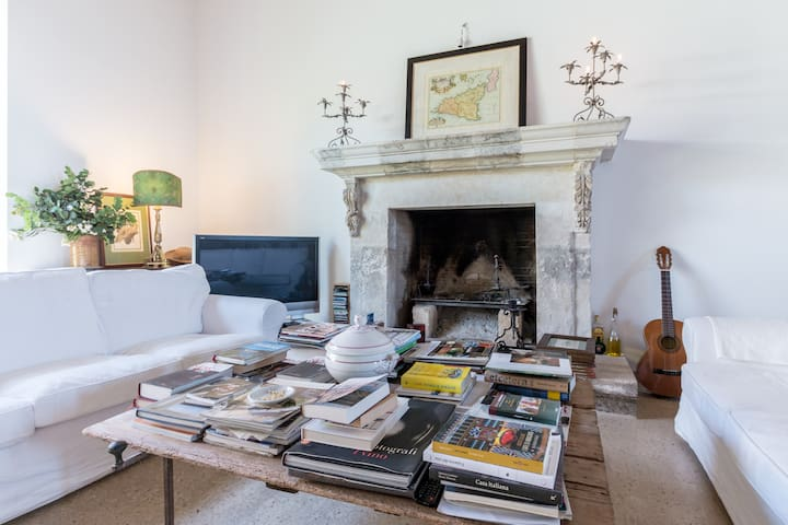 Charming villa with pool - Vittoria - Bed & Breakfast