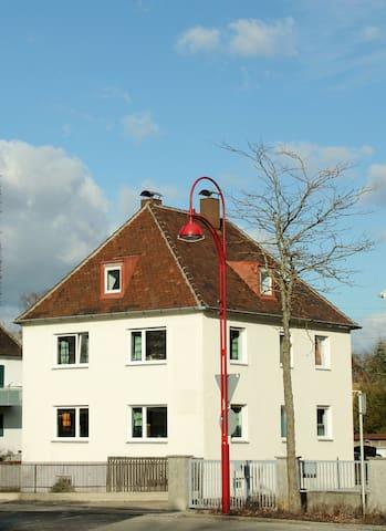 Schlafplatz70 - Übernachtungen - Gersthofen - Hus