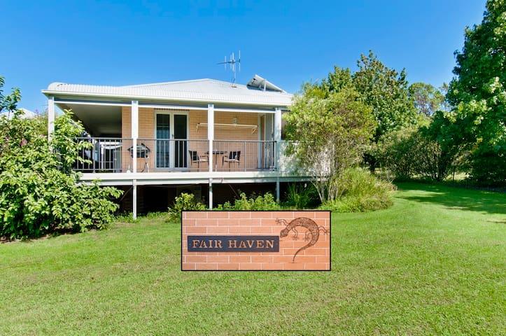 Fair Haven Private Rural Retreat - King Creek - Aamiaismajoitus