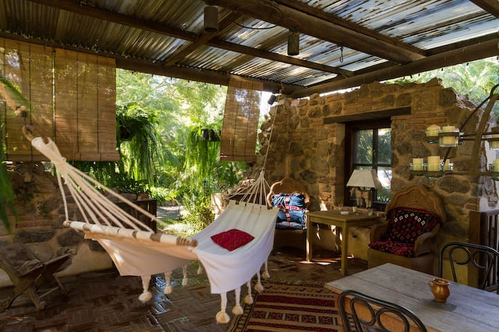 Peaceful, green courtyard house - Antigua Guatemala - Byt