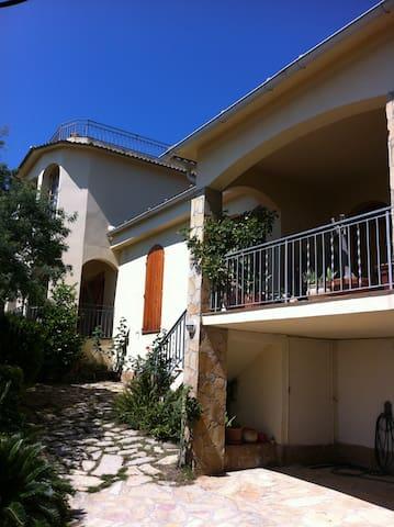 Casa Riccardo Feriendomicil mit Blick aufs Meer - Sant Pol de Mar