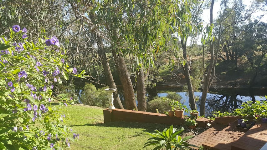 Riverside Retreat - Pinjarra - 小木屋