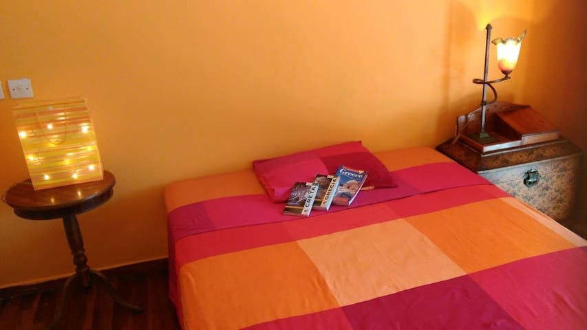 RENT MY ROOM AND LIVE AS A GREEK! - Alimos
