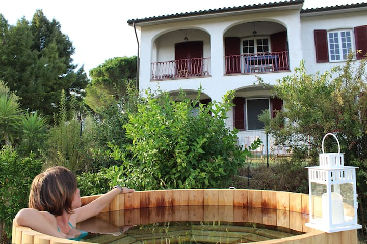 Cozy house with hot tub and big garden near Pisa - Lari - Appartement