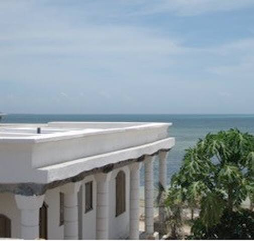 Inside the history of Mozambique and on the beach - Mozambique