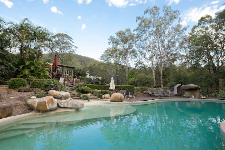 Bush Set Unit  + Big Pool + Tennis - Camp Mountain - Leilighet