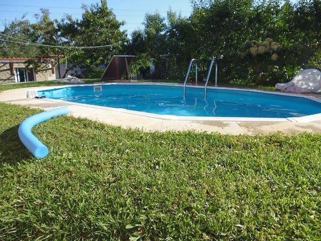 Casita independiente en Vigo con piscina y jardín - Vigo