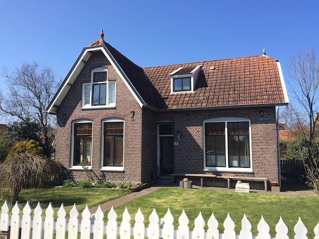 Villa Kakelbont - Midsland - Ház