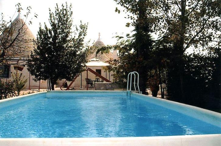 Trullo in Valle d'Itria con piscina - Locorotondo - Dom