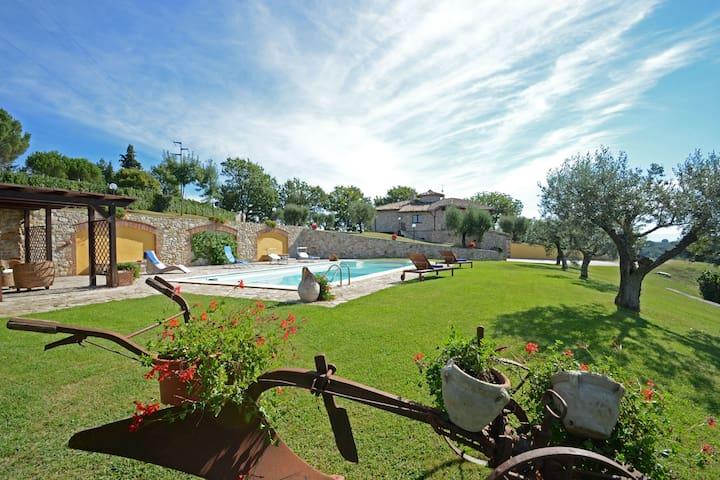 COLLE DEL SOLE  7+1, Exclusivity Emma villas - Montecastrilli - Vila