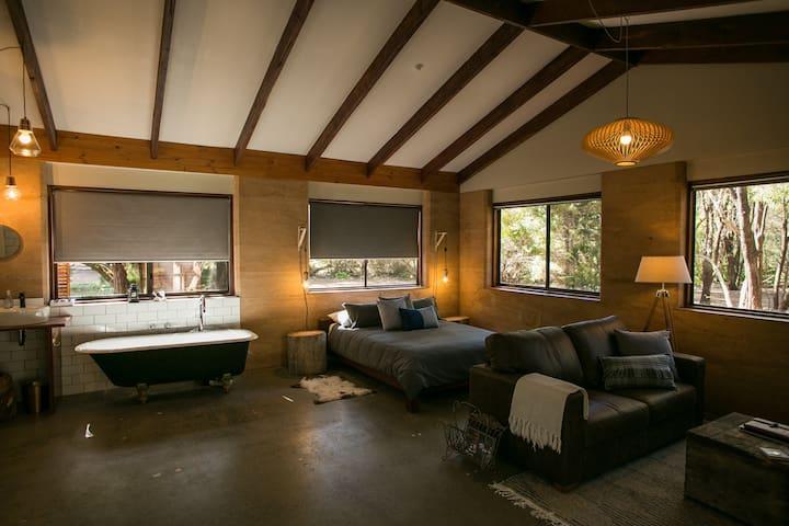 Cascade Cottage, a Couples Retreat - Karridale