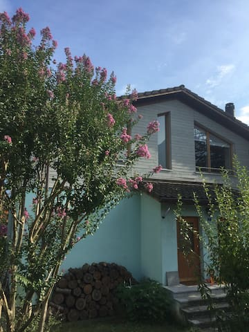 Grande appartamento a 10 minuti da Bellinzona - Claro - Leilighet