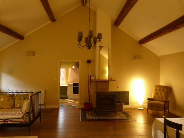 Apartment above old Stables - Sart Dames Avelines - Daire