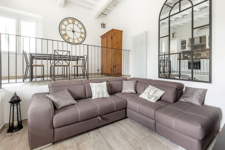 ROMANTIC GARDEN AND JACUZZI Apt IN FLORENCE HILLS - Bagno A Ripoli - Leilighet