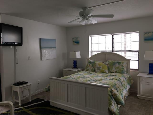 Fannies Studio/Full KITCHEN  #5B 100yds to beach - Tybee Island
