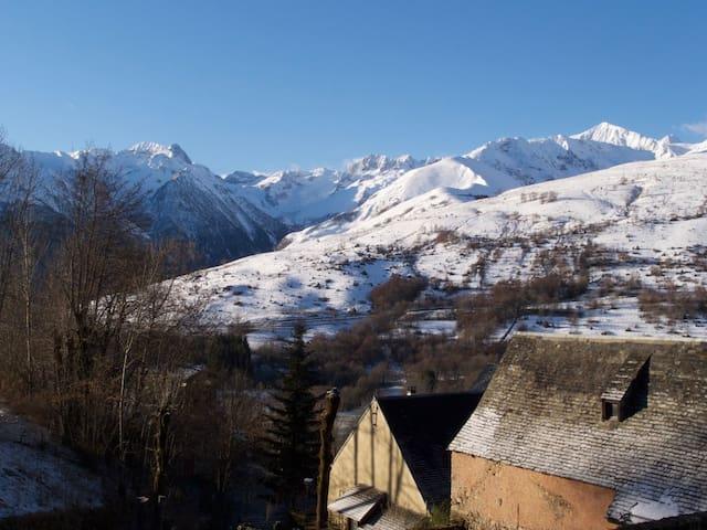 Maison de montagne à 1200 m, vue exceptionnelle - Poubeau - Rumah