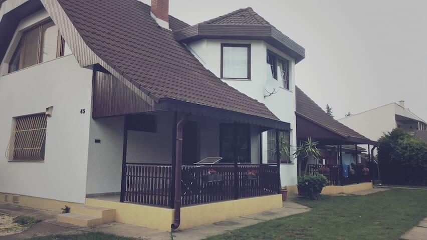 gabor aron apartament - Balatonszárszó - Maison