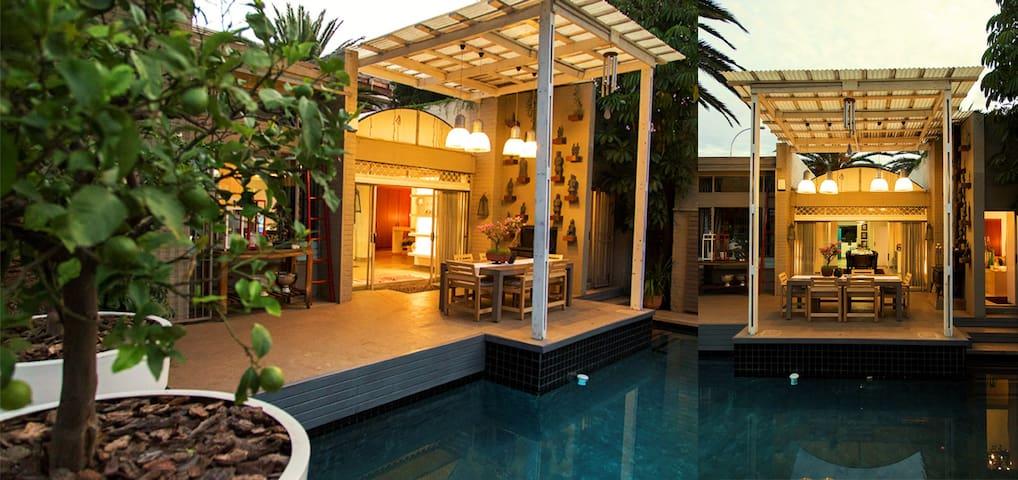 ACACIA HOUSE - UPPER HOUGHTON - Johannesburg - Casa
