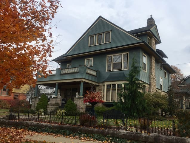 Historic Home, two 2nd floor rooms - Ridgway - Otros
